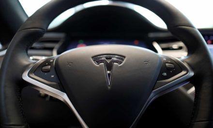 Tesla et ses clients mécontents en justice concernant le système de pilote automatique